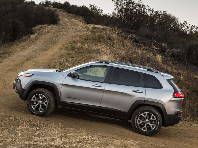 2014 jeep cherokee crossover suv first drive. Black Bedroom Furniture Sets. Home Design Ideas
