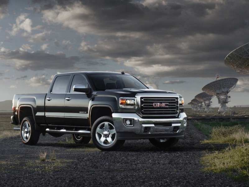 2015 Chevy Silverado HD and GMC Sierra HD: Premium Power and Amenities