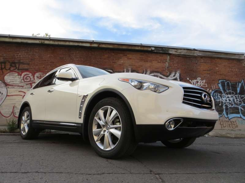 2014 Infiniti QX70 3.7 AWD Road Test And Review