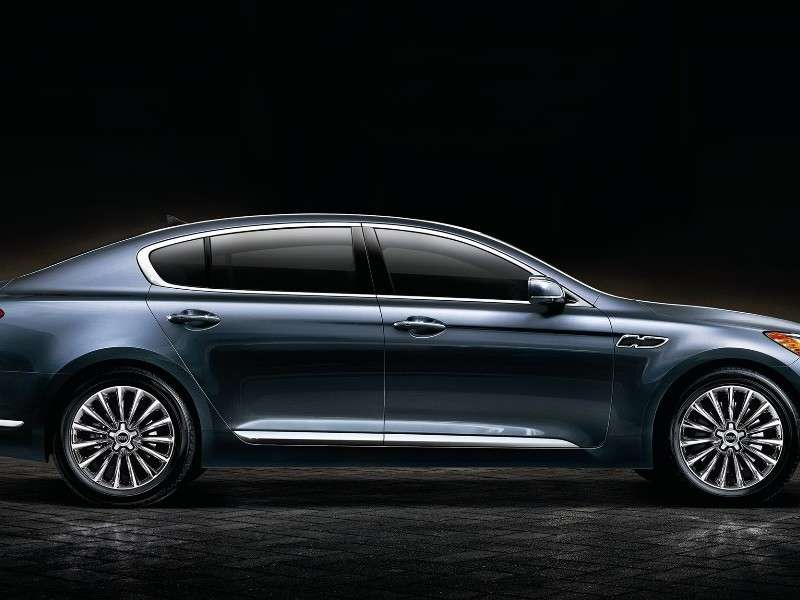 Kia K900 Range-topper Set for Debut in Los Angeles