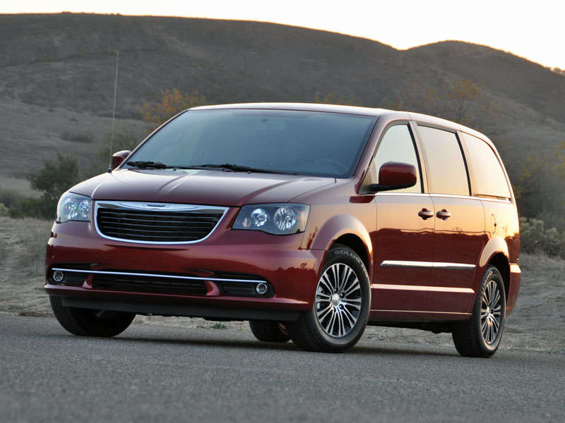 2014 chrysler town and country minivan road test and review. Black Bedroom Furniture Sets. Home Design Ideas