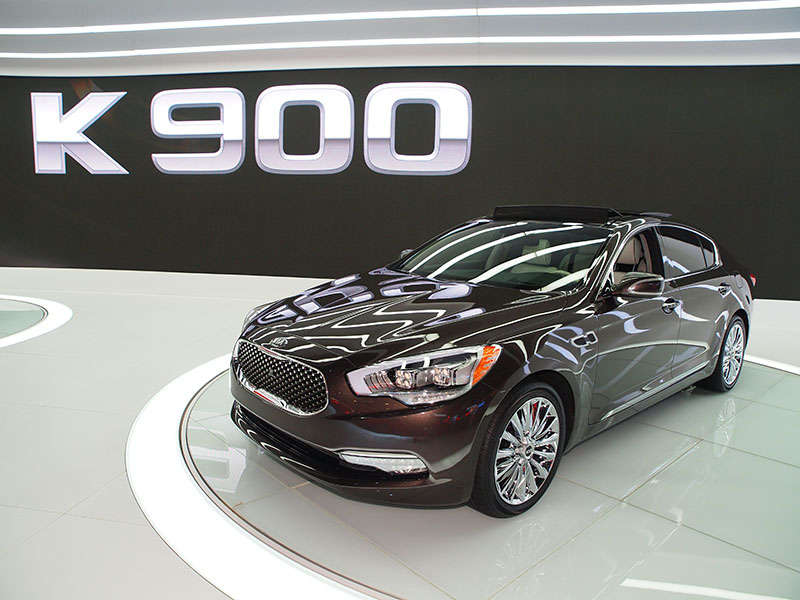 2015 Kia K900 Preview: 2013 Los Angeles Auto Show