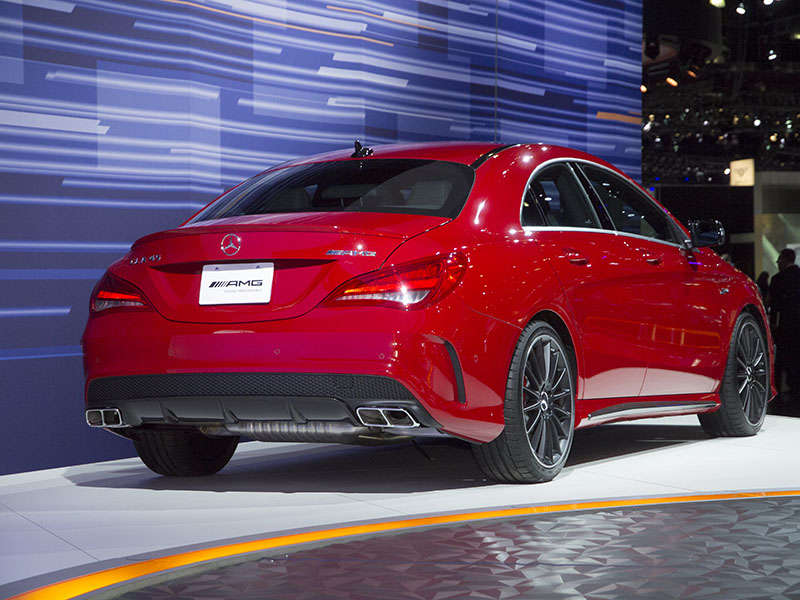 2015 mercedes benz gla45 amg preview 2013 los angeles auto show. Cars Review. Best American Auto & Cars Review