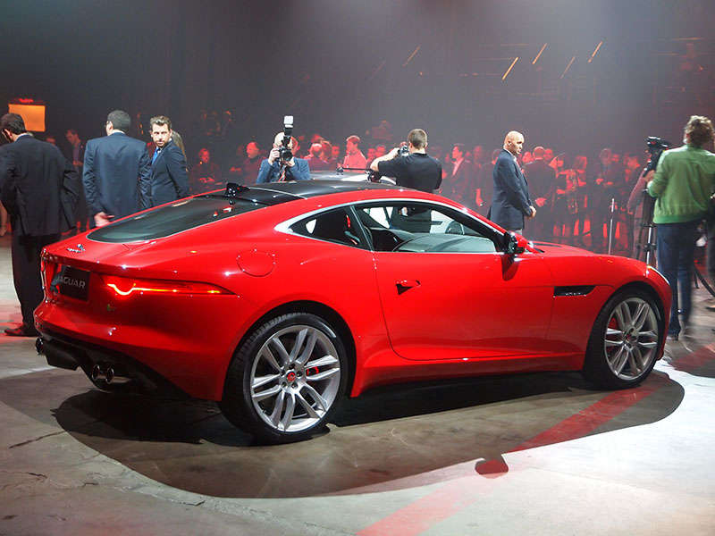 2015 Jaguar F-Type Coupe Preview: 2013 Los Angeles Auto Show