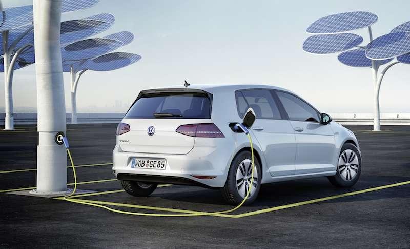 New 2015 Volkswagen e-Golf Preview: 2013 Los Angeles Auto Show