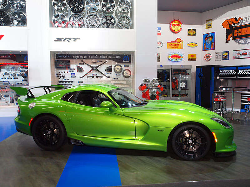 2014 SRT Viper Strykes Again with New Paint Color and GT Package