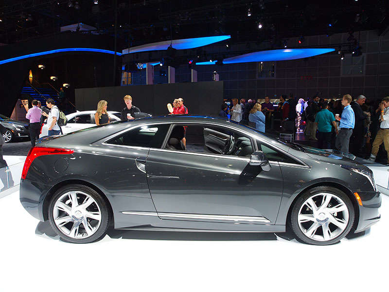2014 Cadillac ELR Grabs Green Car Technology Award