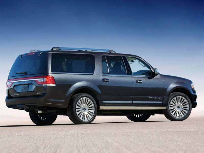 Lincoln Pulls Back The Curtain On The 2015 Navigator