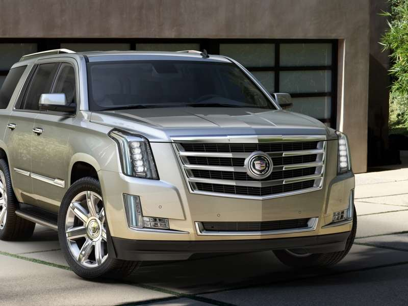 2015 Cadillac Escalade Shows off LED Tailfins