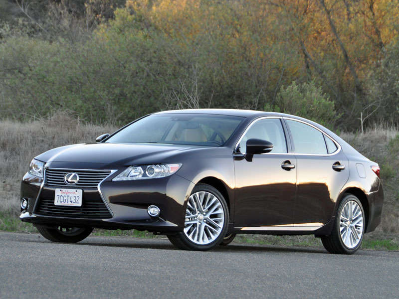 2014 Lexus ES Photo Gallery