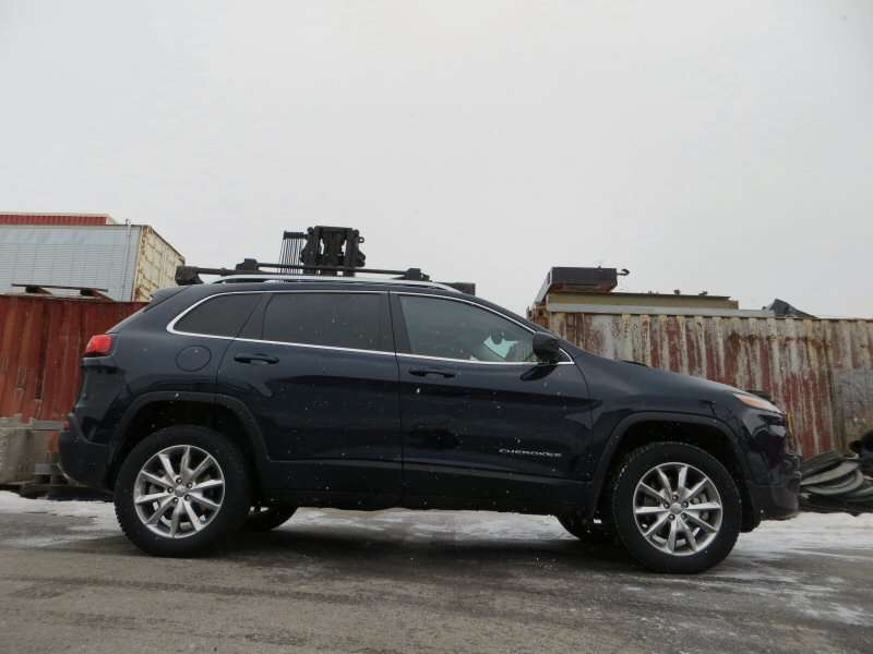 road test and review 2014 jeep cherokee limited. Black Bedroom Furniture Sets. Home Design Ideas