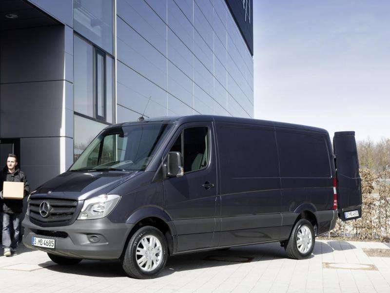 Mercedes-Benz Brings AWD to 2015 Sprinter 4X4