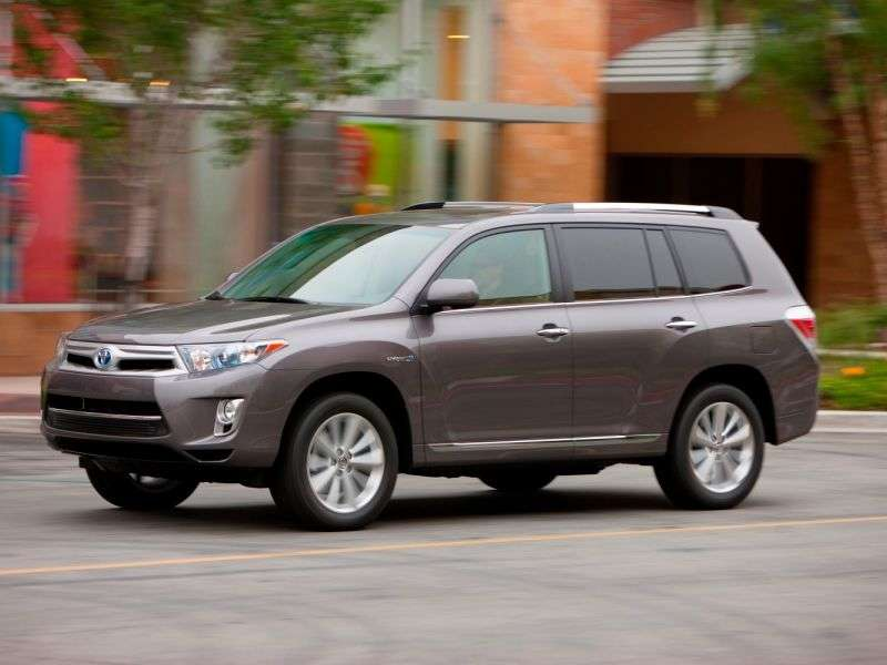toyota highlander 2013 mid size suv review new car reviews 2014. Black Bedroom Furniture Sets. Home Design Ideas