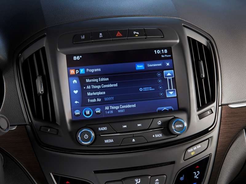 2015 Buick LaCrosse Brings Standard 4G Connectivity to Brand