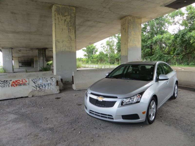 GM Freezes Sales of Chevy Cruzes