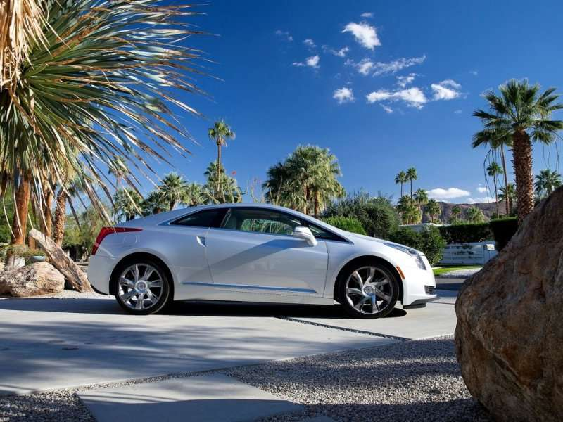 9 American Electric Cars You Can Buy in 2016