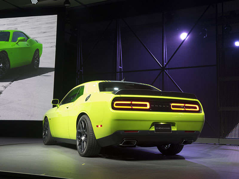 new 2015 dodge challenger what s new the 2015 dodge