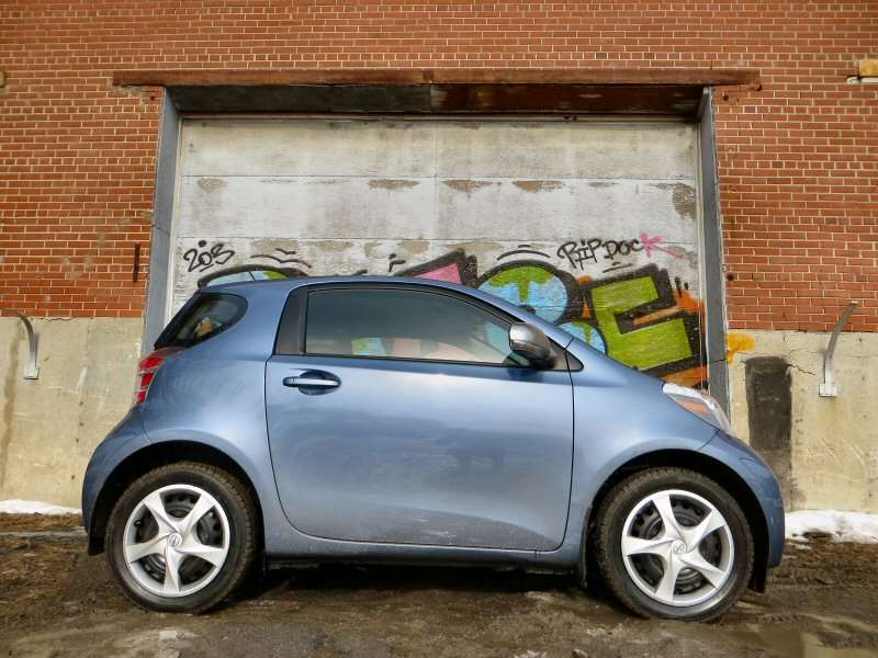 2014 scion iq subcompact hatchback quick spin review. Black Bedroom Furniture Sets. Home Design Ideas