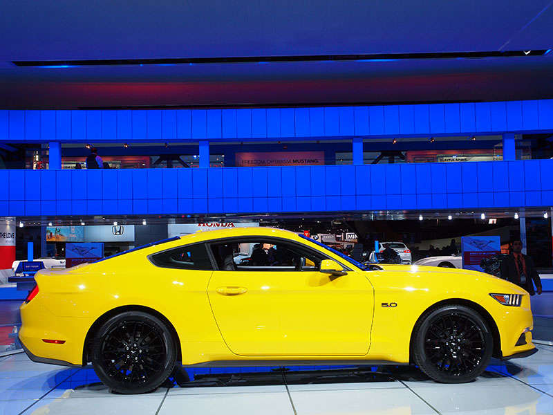 Ford Talks Horsepower and Torque For 2015 Mustang