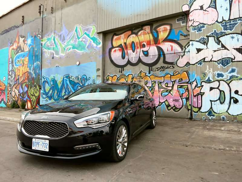 2015 Kia K900 Luxury Sedan Review