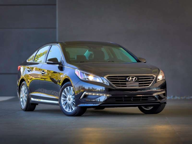 Paul Rudd, Assurance Car Care App Debut for 2015 Hyundai Sonata