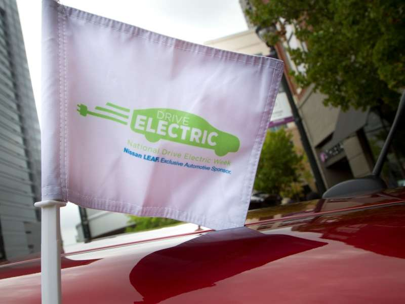 2015 Nissan LEAF Celebrates Drive Electric Week