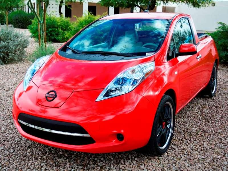 Meet the 2015 Nissan LEAF-tier