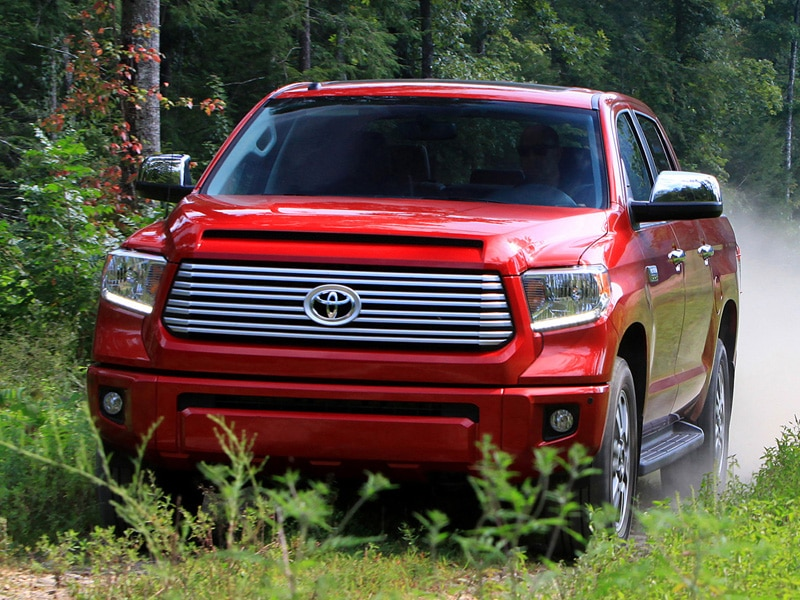 Toyota Drops The V6 for The 2015 Tundra