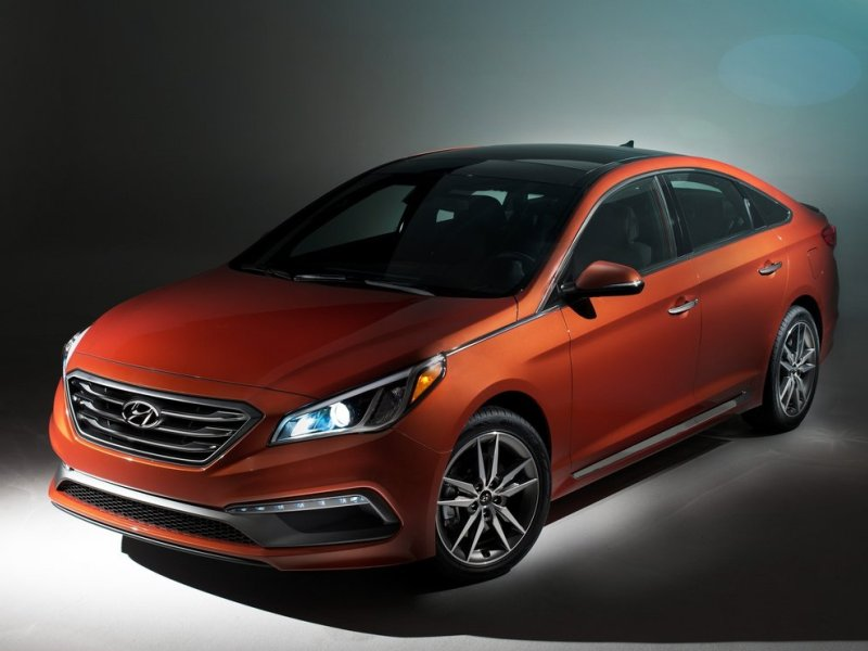 2015 Hyundai Sonata, Genesis Named to NACOTY Short List