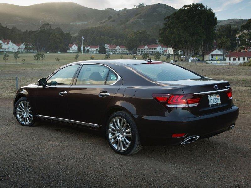 7 Extended Wheelbase Cars for 2015