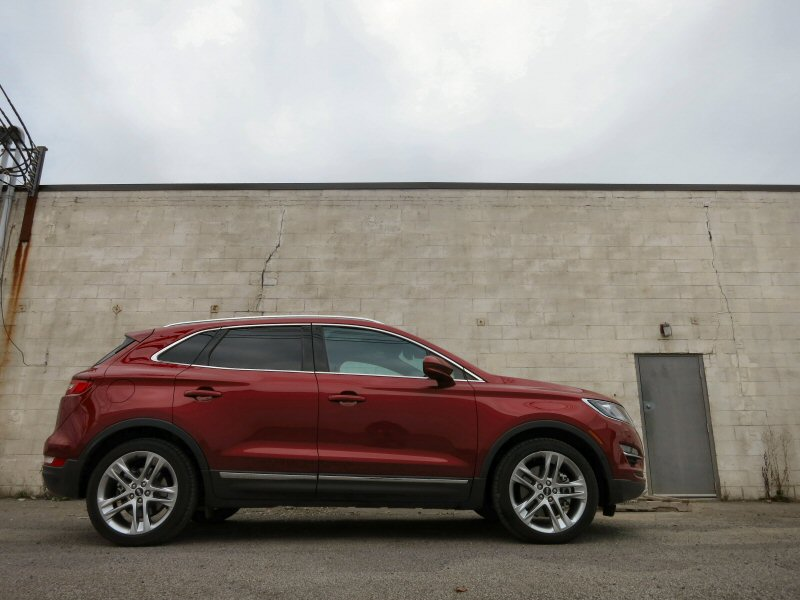 2015 lincoln mkc luxury crossover review. Black Bedroom Furniture Sets. Home Design Ideas