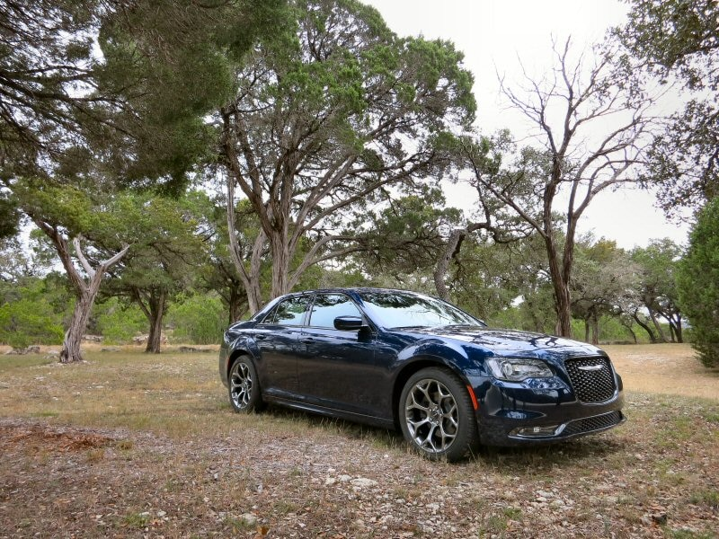 2015 Chrysler 300 Full Size Sedan First Drive And Review