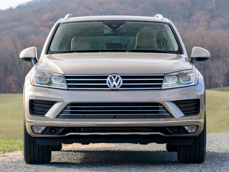 2015 volkswagen touareg luxurious interior and more capable than ever. Black Bedroom Furniture Sets. Home Design Ideas