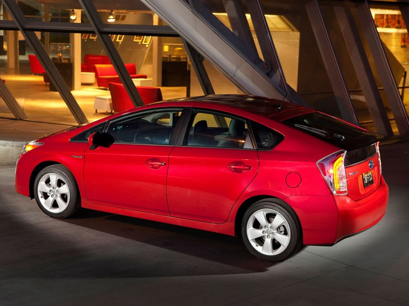 2015 Toyota Prius Road Test & Review