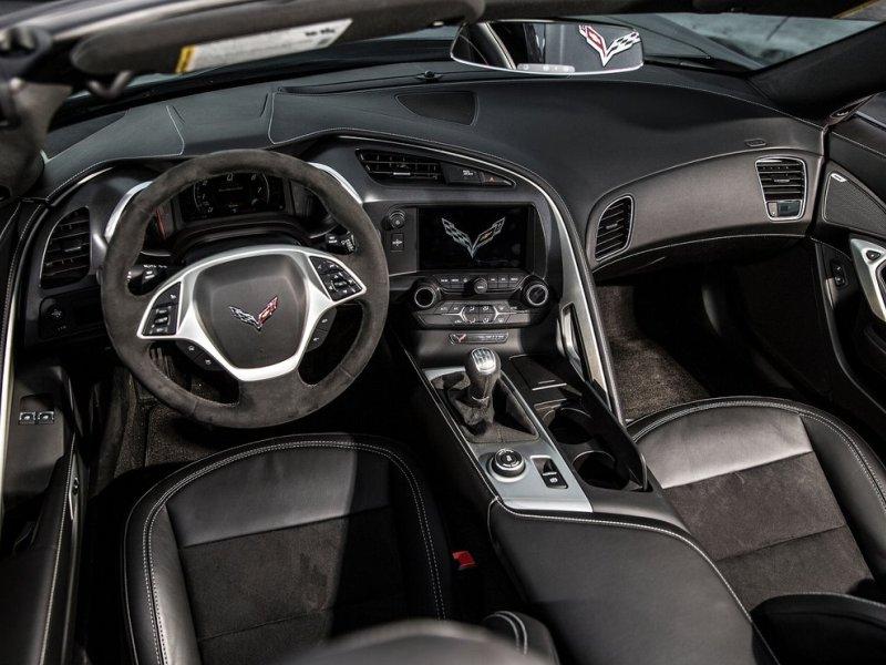 features controls - Corvette 2013 Stingray Interior