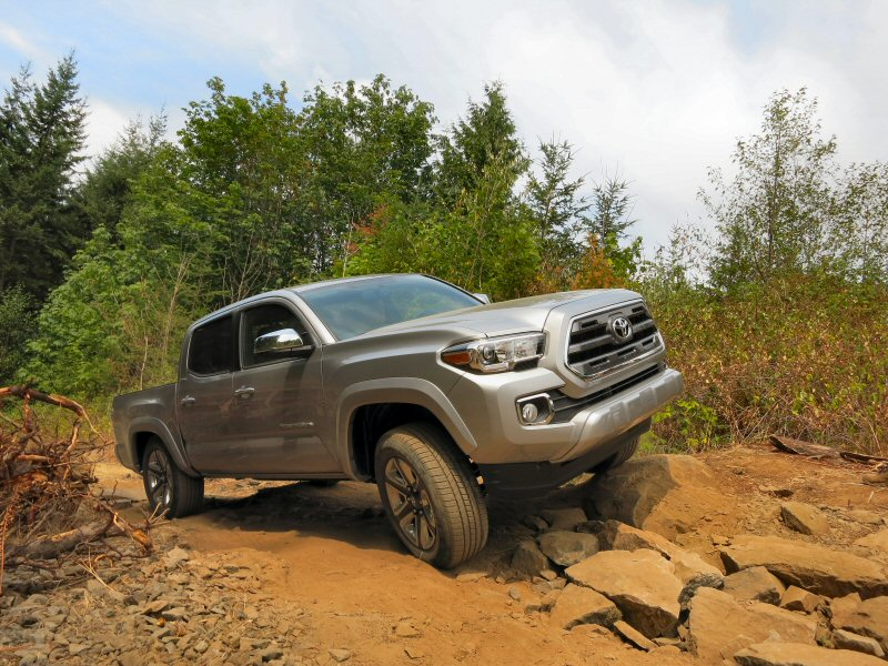 The Best Midsize Pickups: A Quick Review for 2016