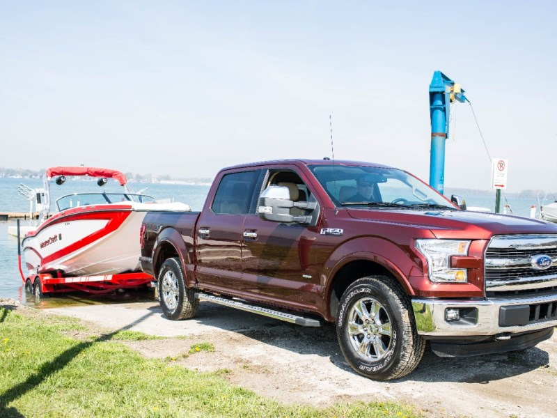 10 reasons the ford f 150 is superior for towing. Black Bedroom Furniture Sets. Home Design Ideas