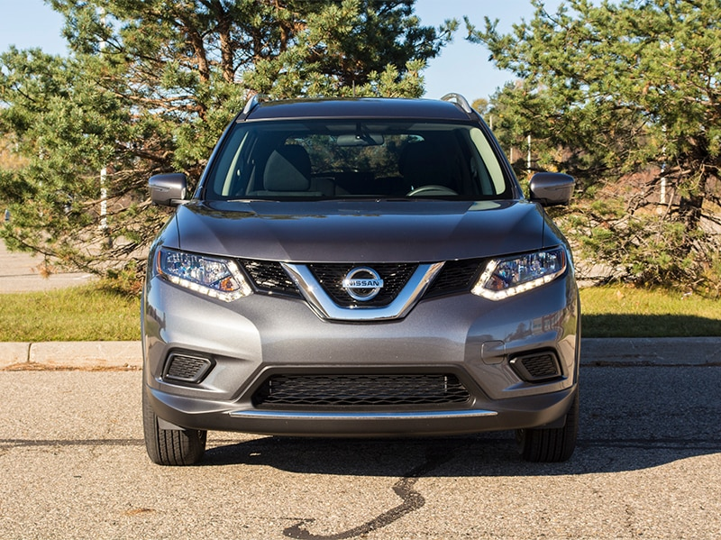 nissan rogue small in size but big in features. Black Bedroom Furniture Sets. Home Design Ideas