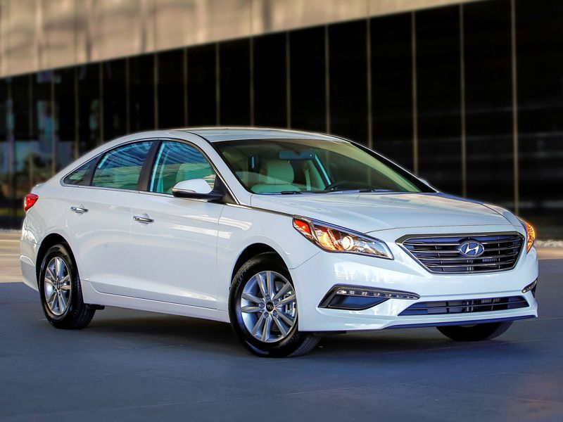The 9 Most Fuel-Efficient Mid-Size Sedans for 2016 | Autobytel.com