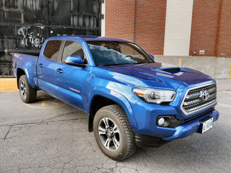 2016 Toyota Tacoma Road Test and Review