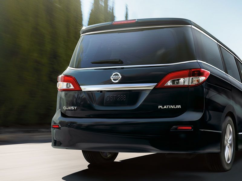 2016 Nissan Quest rear