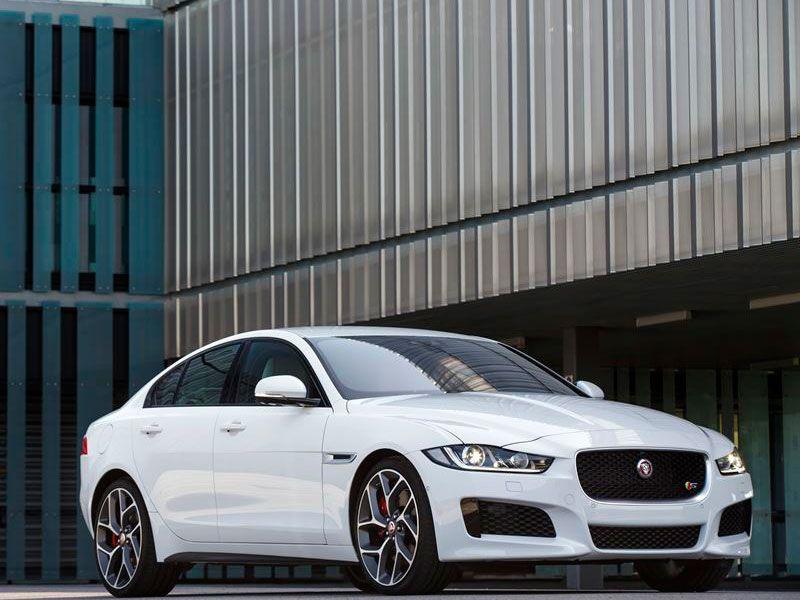 10 best luxury cars for the money. Black Bedroom Furniture Sets. Home Design Ideas