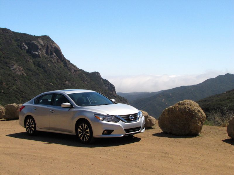 2016 Nissan Altima Road Test and Review