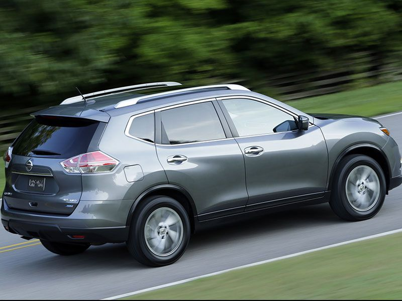 Honda crv vs nissan rogue for Which is better nissan rogue or honda crv