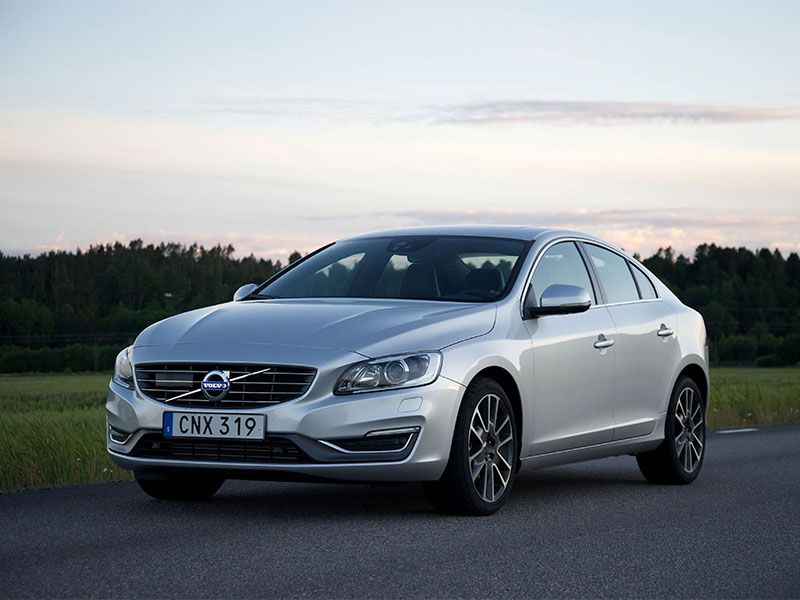 2016 Volvo S60 Road Test and Review