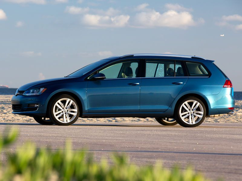 2016 Volkswagen Golf SportWagen Road Test and Review