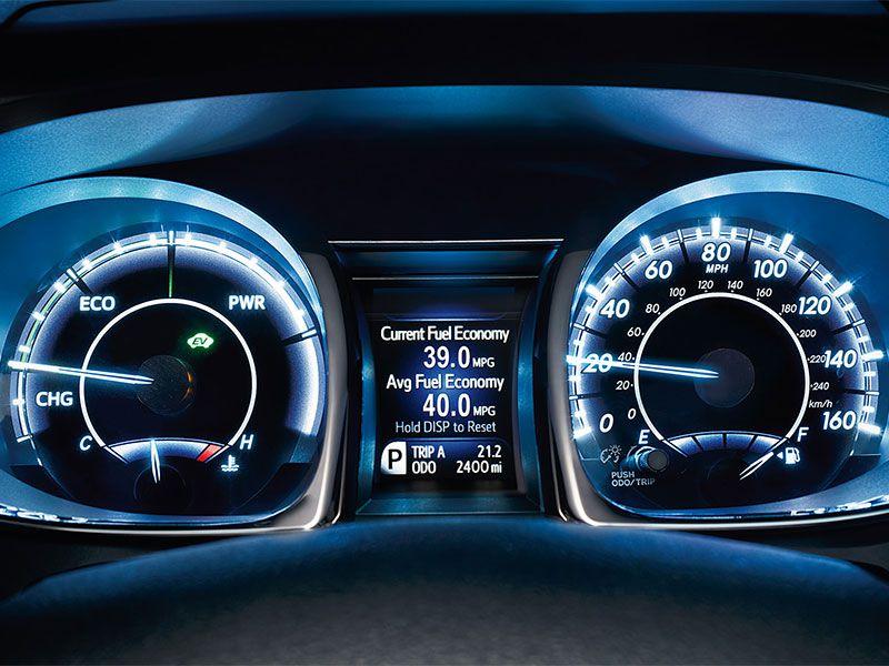10 Hybrid Sedans