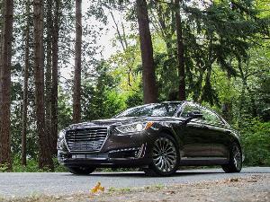 10 Most Economical Luxury Cars | Autobytel.com