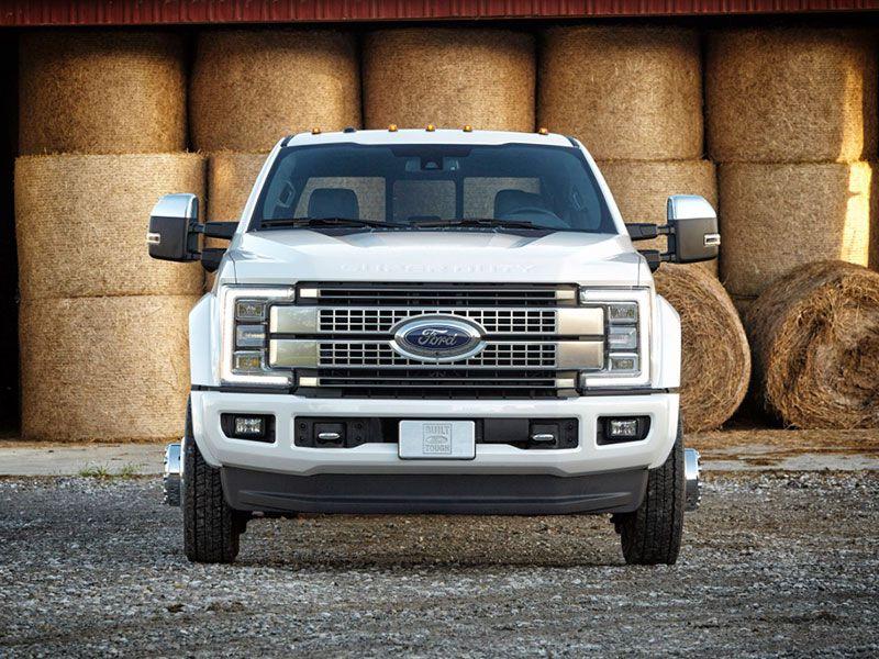 2017 Ford F450 Platinum grille