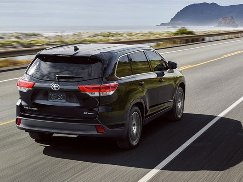 10 reasons the 2017 toyota highlander wins autobytel buyer 39 s choice best midsize suv award. Black Bedroom Furniture Sets. Home Design Ideas